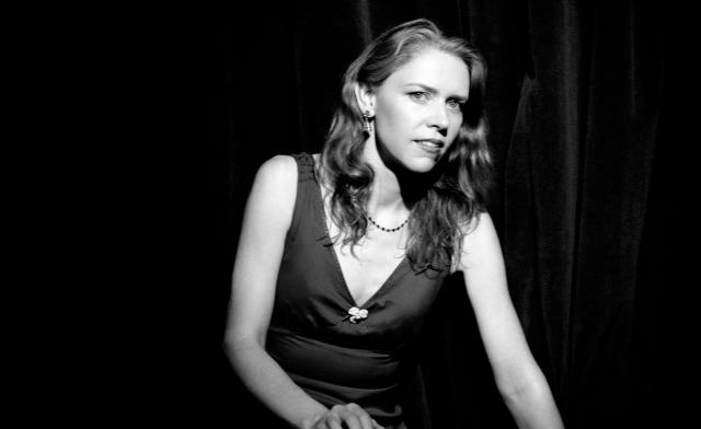Gillian Welch; orain ere gainontzekoengandik bi pausu aurretik